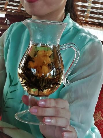 """""""Blooming"""" tea"""