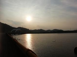 Setting sun over Nanming Lake